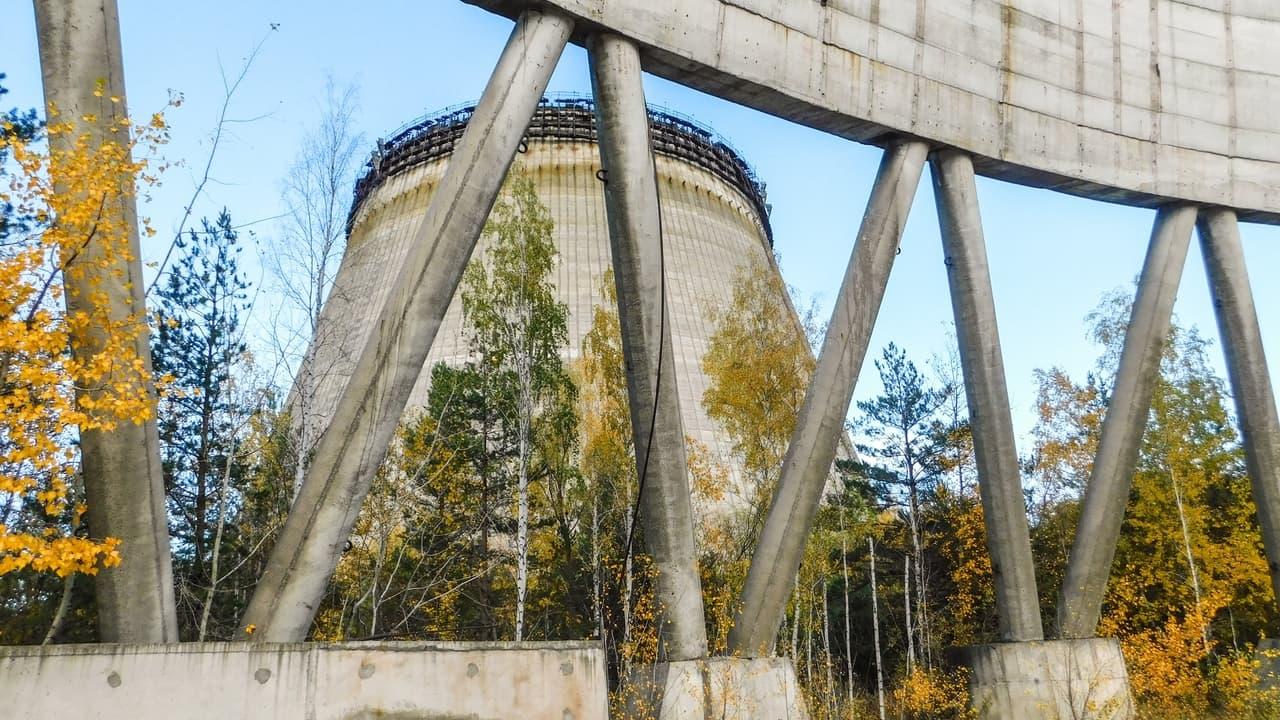Černobylská jaderní elektrárna - nedostavěné chladící věže 5. a 6. bloku